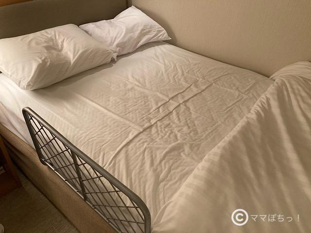 ホテルアソシア静岡のベッドガードの写真です。