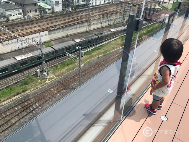 鉄道博物館から見える埼京線の写真です。