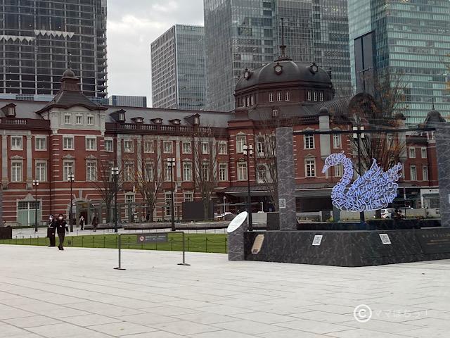 東京駅の赤レンガ駅舎の写真です。